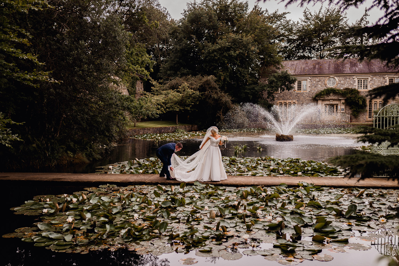 bride and groom at Cliff at Lyons