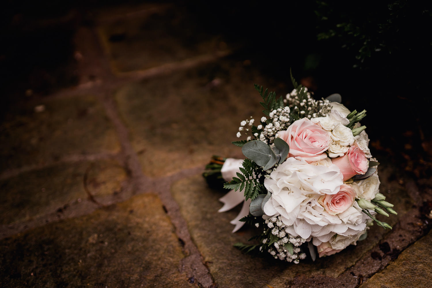 pink and white wedding fowers